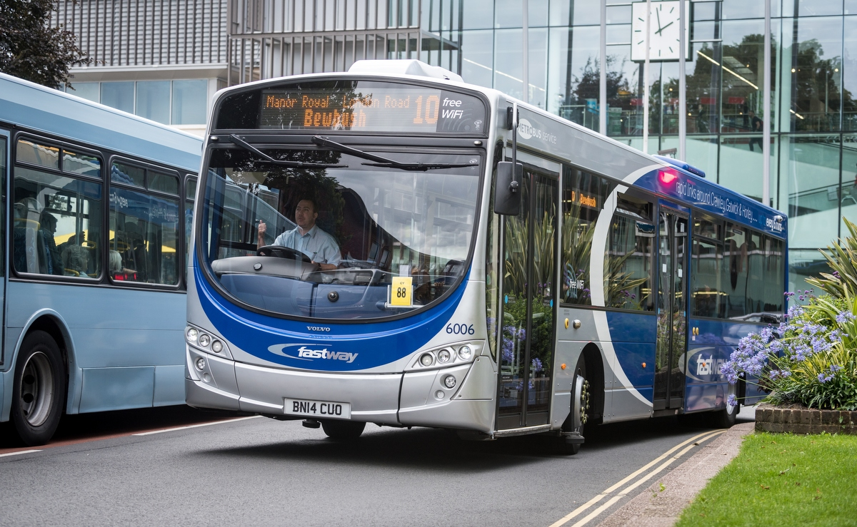 Metrobus, Crawley, 2015, Go-Ahead Group,